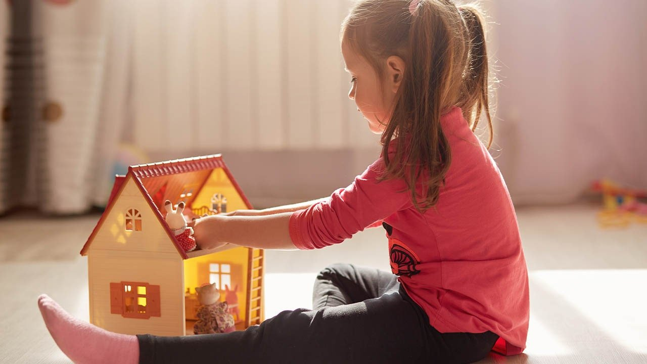 Dollhouse for 2 Year Old Buying Guide
