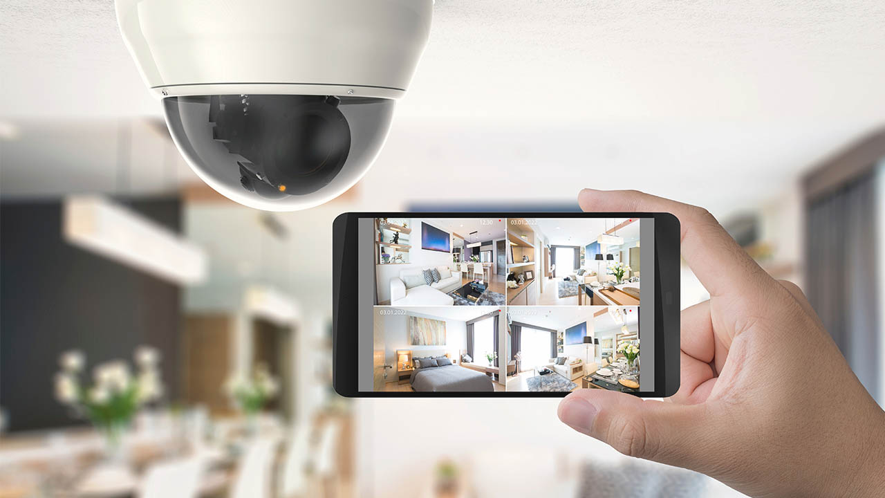 monitoring security camera with smartphone app