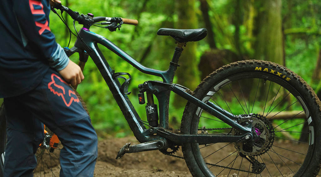 Best Pedals For Hybrid Bike